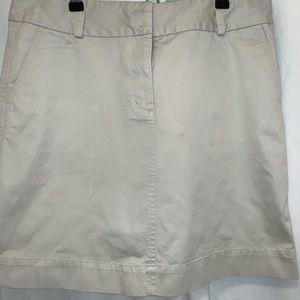 Vineyard Vines khaki skirt size 8
